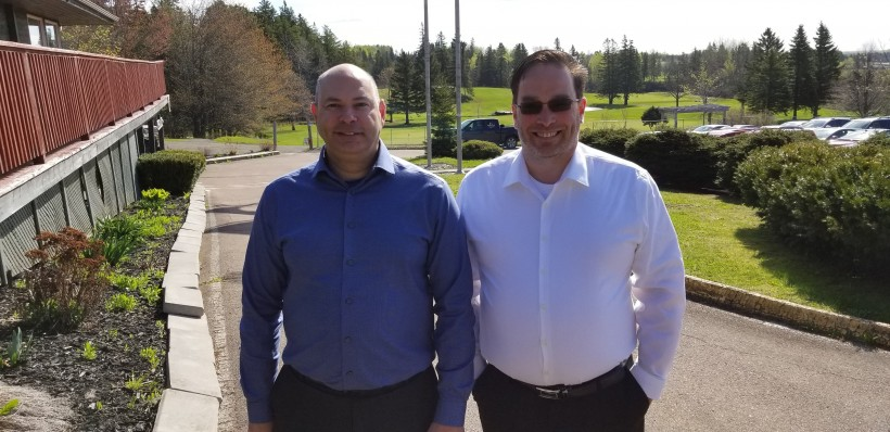 Pat Laderoute, left, and CEO Todd Chant are rolling out Easy Golf Tour's product.