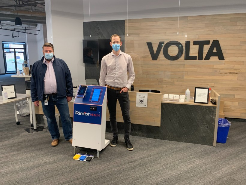 Mike Himmelman and Trevor Hinnegan with the RimotHealth device at Volta